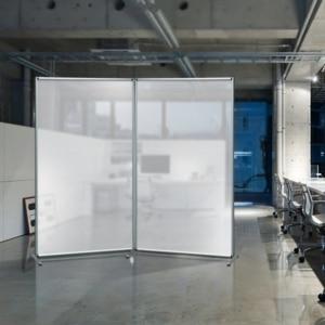 Pannelli divisori mobili componibili in policarbonato for Pannelli divisori per ufficio