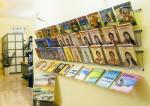 Porta cataloghi da muro per agenzie
