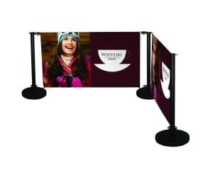 Barriera delimita spazio con pubblicità