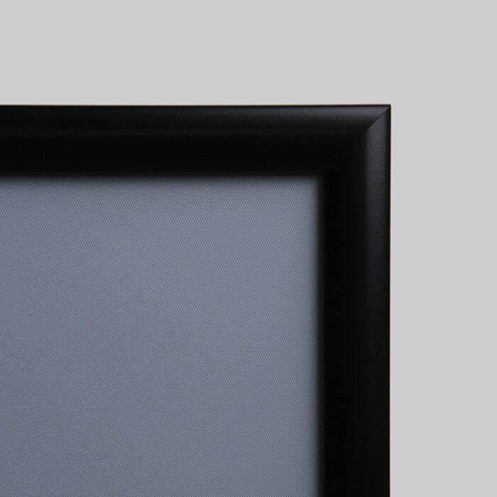 Dettaglio cornice porta pubblicità nera