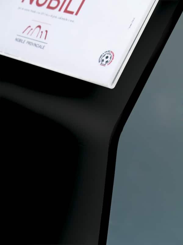 Espositore inclinato in metallo con porta scheda A4