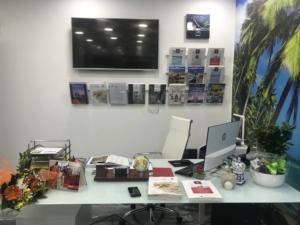 Espositore porta cataloghi per agenzia viaggi