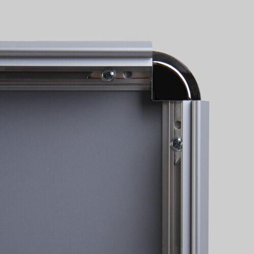 Cornice a scatto 70x100 angolo profilo 32 mm aperto